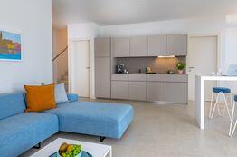 Bild Pareus Beach Resort - neue Ferienwohnungen und Villen direkt an der Adria.