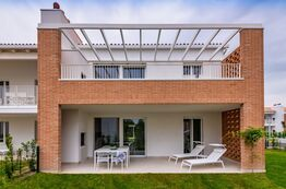 Pareus Beach Resort - Holiday rentals directly on the Adriatic Sea in Italy.