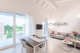 Pareus Beach Resort - rent holiday flats and flats directly on the Adriatic Sea and enjoy your holiday.