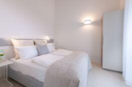 Himmlische Nächte in den bequemen Pareus Beach Resort Betten verbringen